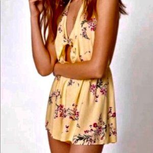 Kendall & Kylie Floral Print Romper Size M